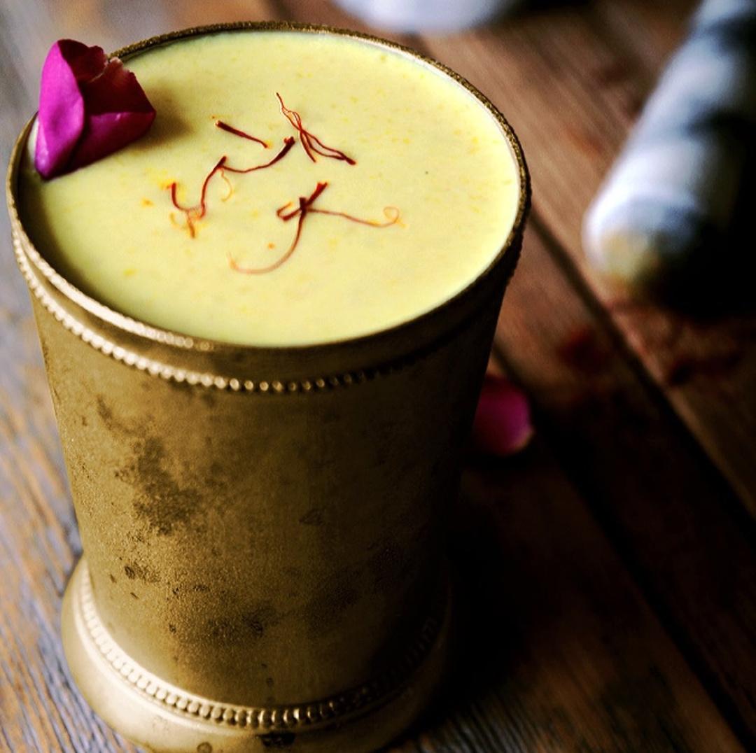 How much the permissible amount of saffron tea consumption?
